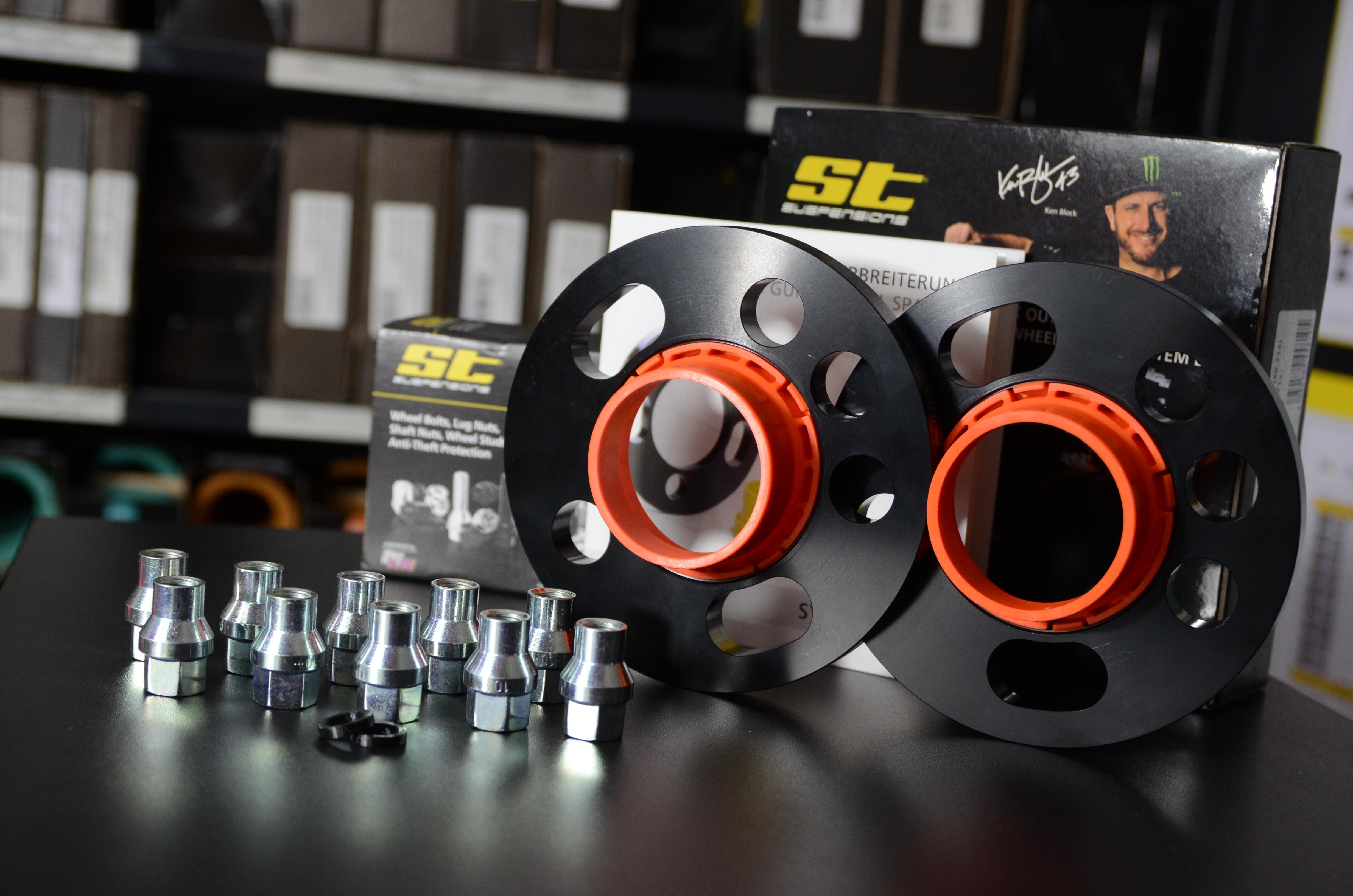 Zestaw dystansów ST DZX 25mm na oś - Ford Focus RS Mk3